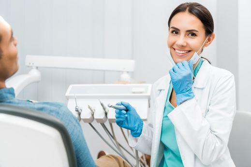 denturologist