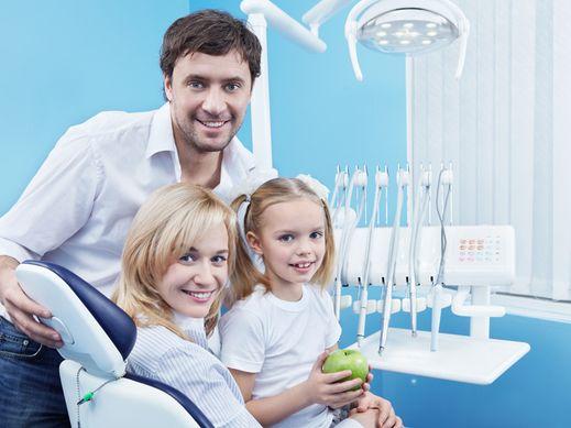 famille au dentiste